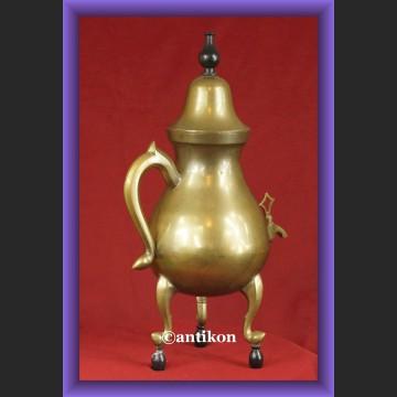 Śliczny czajnik mosiężna buliera