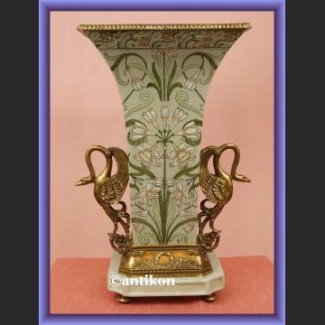 Ogromny pałacowy wazon z figurami łabędzi śliczna porcelana
