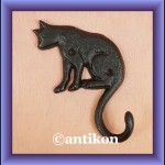 Świetny wieszak żeliwny kot pojedynczy