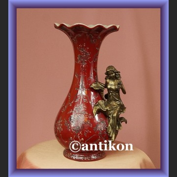 Śliczny duży porcelanowy wazon z kwiatową nimfą
