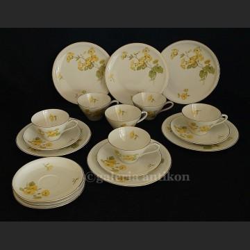 Komplet porcelanowy o herbaty na 6 osób Schirnding kwiatowe trio