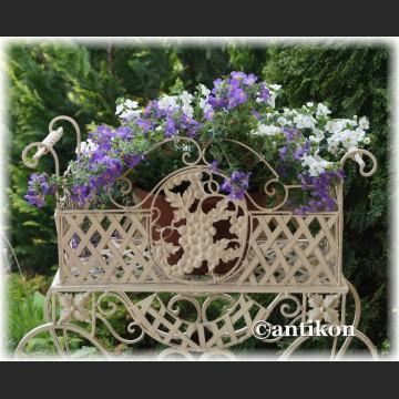Biały kwietnik prowansalski dwupoziomowy romantyczny