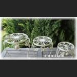 Biały komplet 3 prowansalskich metalowych stołków