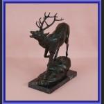 Duża figurka z brązu jeleń francuska rzeźba