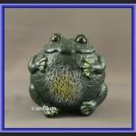 Duża żeliwna żaba ogrodowa na szczęście