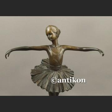 Figurka baleriny wspaniała rzeźba baletnica brąz Francja