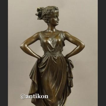 Rzeźba z brązu secesyjna tancerka piękny brąz