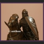 Figura z brązu rycerz w zbroi na koniu kunsztowna rzeźba prawdziwy brąz