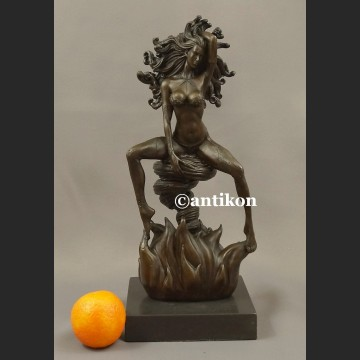 Rzeźba z brązu Ognista Tancerka niesamowita figurka