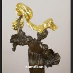 Rzeźba ze złoconego brązu secesyjna kobieta w długiej sukni