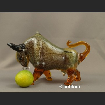 Szklana figura z Murano szklany byk symbol giełdowej hossy