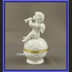 Szkatułka aniołek porcelanowa z trąbką