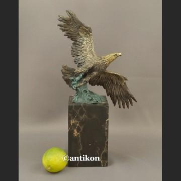 Rzeźba z brązu wspaniały Orzeł piękny brąz na prezent