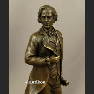 Rzeźba z brązu Fryderyk Chopin kompozytor i pianista