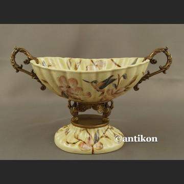 Patera porcelanowa z kolibrami w stylu japońskim