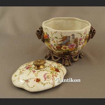 Bomboniera porcelanowa gołębie i róg obfitości na szczęście