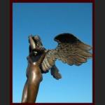 Rzeźba z brązu ogromny posąg kobieta anioł