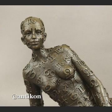 Rzeźba z brązu modernistyczny akt Dali