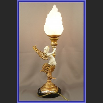 Lampa w stylu empire