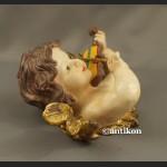 Anioł skrzypek barokowa figura