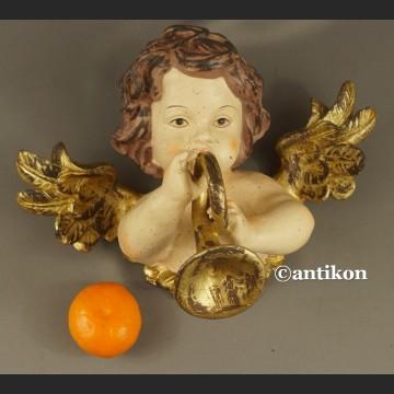 Anioł z trąbką barokowa figura