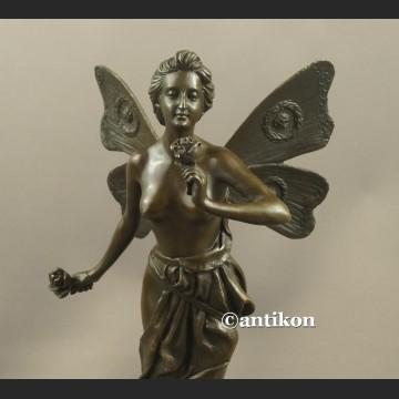 Rzeźba z brązu duża kobieta Motyl Dojrzewanie