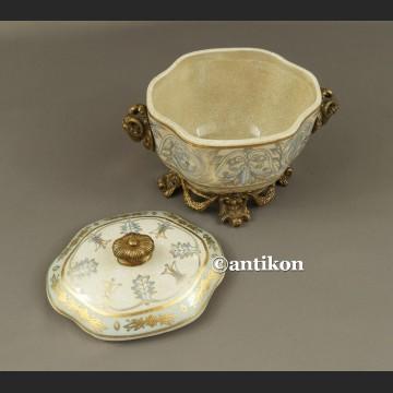 Szkatuła z francuskim wzorem porcelana z brązem