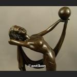Rzeźba z brązu Art Deco Tancerka z piłką