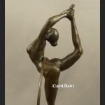 Rzeźba z brązu Tancerka z obręczą duża figurka