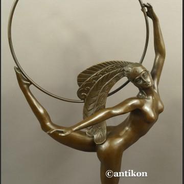 Rzeźba z brązu wysoka Tancerka z obręczą ART DECO