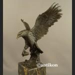 Orzeł rzeźba z brązu piękny z rozpostartymi skrzydłami świetny