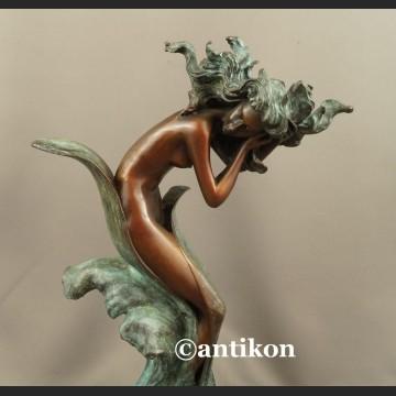 Rzeźba z brązu AFRODYTA piękna figura z prawdziwego brązu