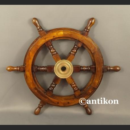 Koło sterowe średnie na jacht lub marynistyczna dekoracja