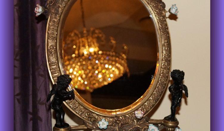 Barokowe lustro z aniłami
