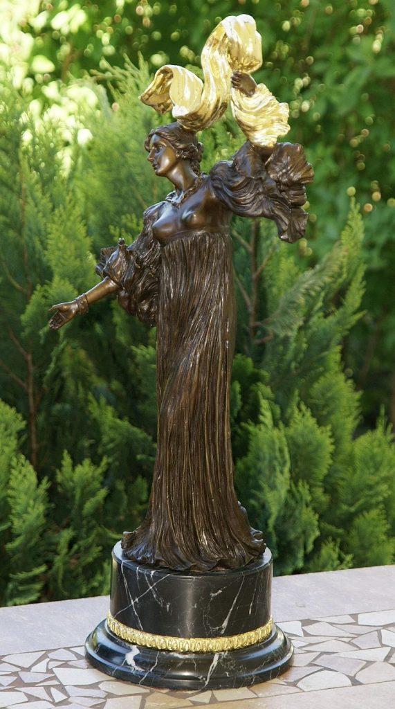 secesyjna rzeźba